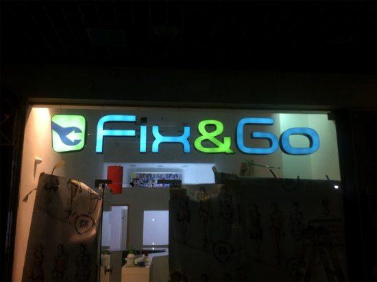 שלטים לחנויות עם תאורה